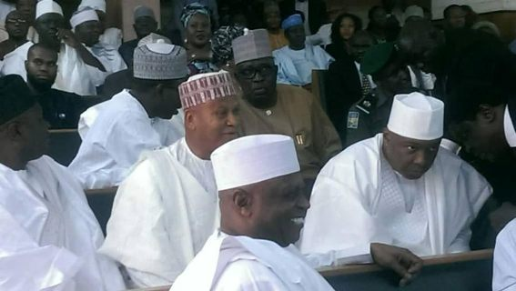 Photos: 16 Senators accompany Saraki to the Code of Conduct Tribunal