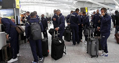 Tottenham team at the airport