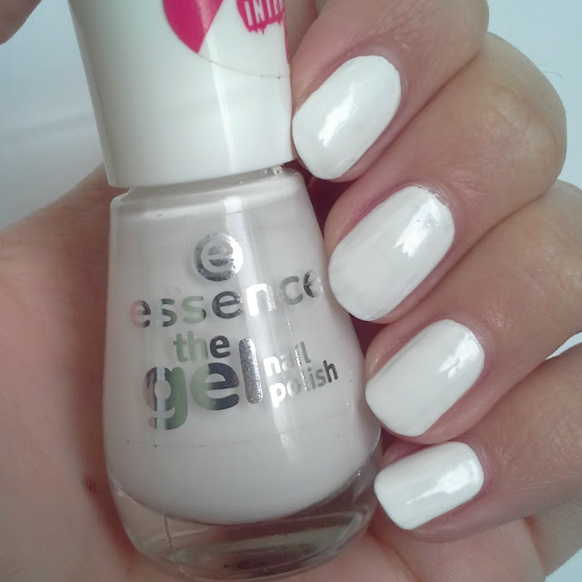 Essence  The Gel Nail Polish (Review and Swatches) 33 wild white days