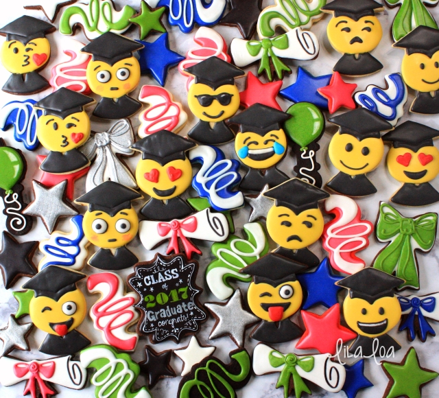 Emoji Graduate Decorated Cookies -- cookie decorating tutorial