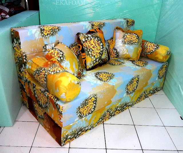 Sofa bed inoac motif anggur orange