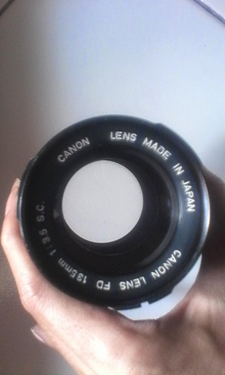 Canon 135mm f3.5 depan