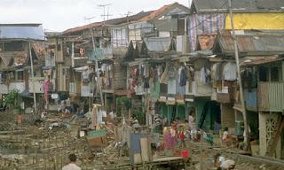 Permasalahan Kemiskinan Berkaitan Dengan Kuantitas dan Kualitas Penduduk Beserta Penanggulangannya