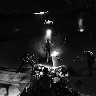 <CENTER>Waterweed - Ashes EP (2015)</center>