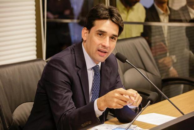 Aumento de impostos chega a quase R$700 mi no próximo governo Paulo Câmara, denuncia oposição