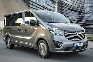 Vauxhall Vivaro Tourer Elite (2018) Front Side