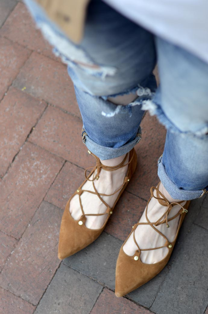 tan-lace-up-flats-outfit
