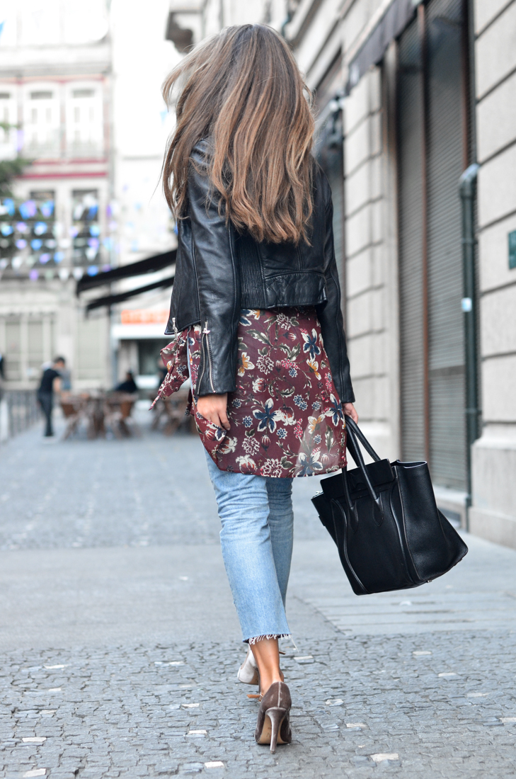 Streetstyle blogger wearing Zara mom jeans Zara flowers blouse, MI-moh velvet nude heels, céline luggage black bag, ray ban round sunglasses