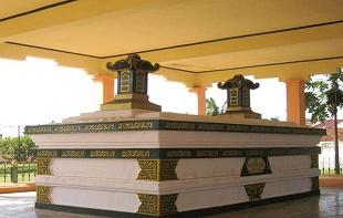 gambar makam sultan iskandar muda