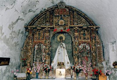 Casa Florencio en Cerredo. Retablo de la capilla