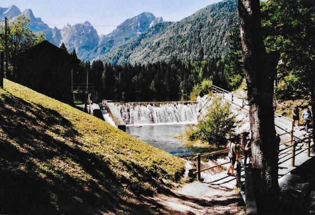 LAGHI-DI-FUSINE-SENTIERO