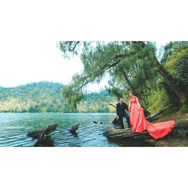 foto prewedding di ranu kumbolo
