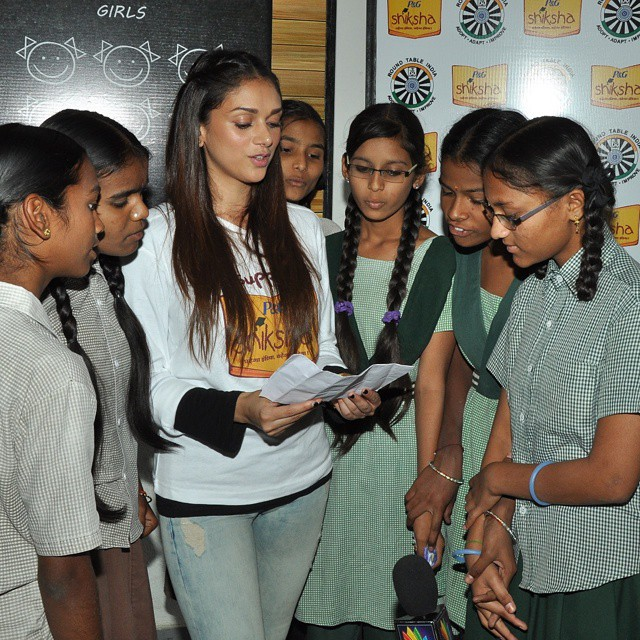 aditi rao hydari visited a government aided school to encourage girl child education @pgshiksha  hyder abad , aditi rao hydari , fashion most wanted ,, Aditi Rao Hydari Latest Hot Pics