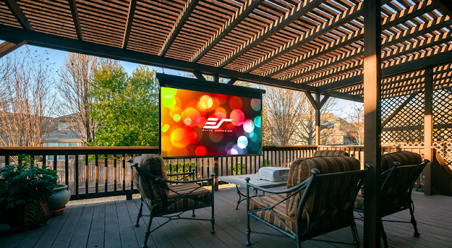 Daylight Projection Screen During Daytime Outdoors