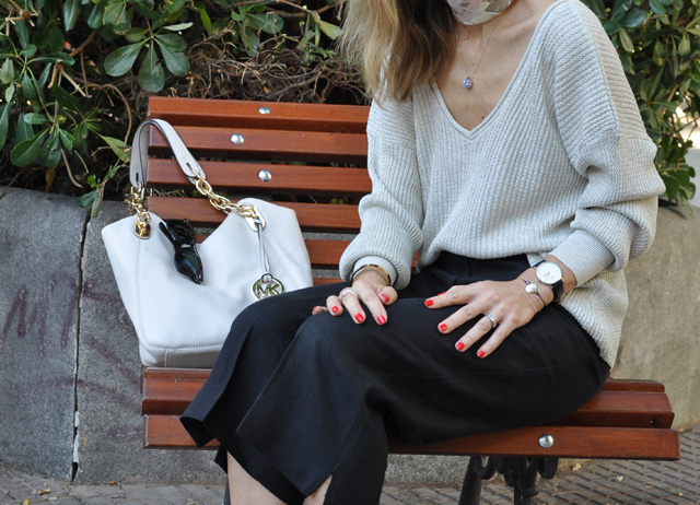 V-NECK SWEATER   CULOTTES