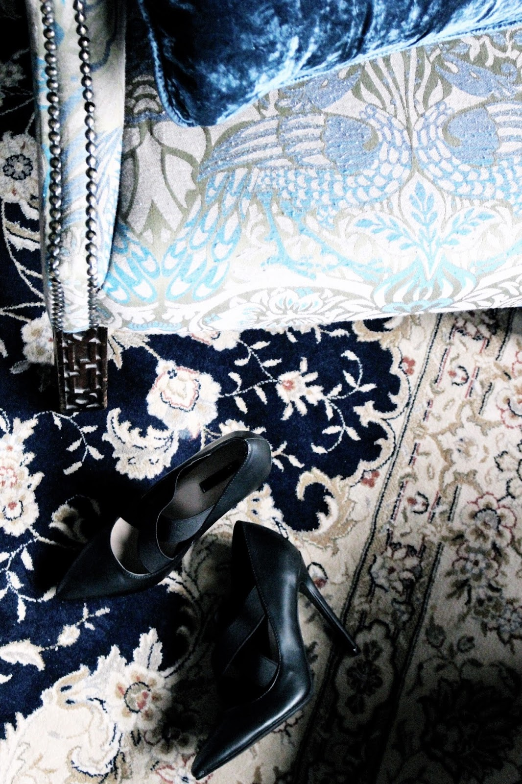Interior Design blue pattern clashing