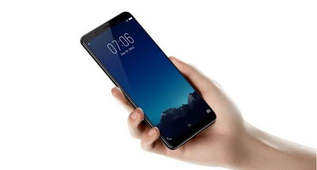 V7 Plus 24 MP selfie smartphone Price in India