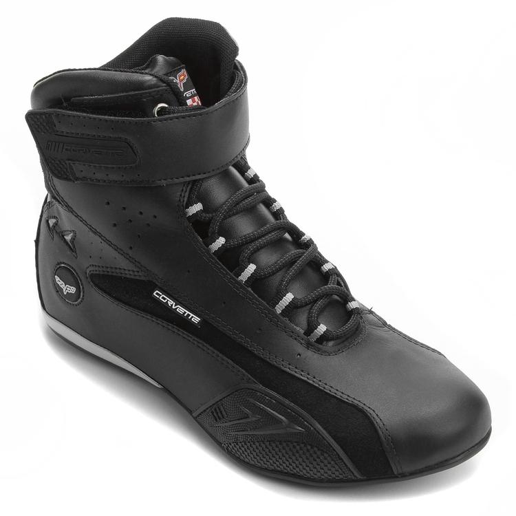 Chevrolet e Netshoes lançam calçados da marca Corvette