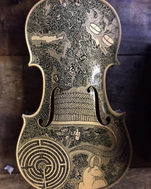 07-Greek-mythology-the-Labyrinth-Leonardo-Frigo-Freehand-Drawings-on-Violins-www-designstack-co