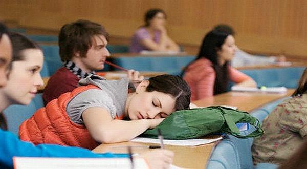 Tidur saat pelajaran