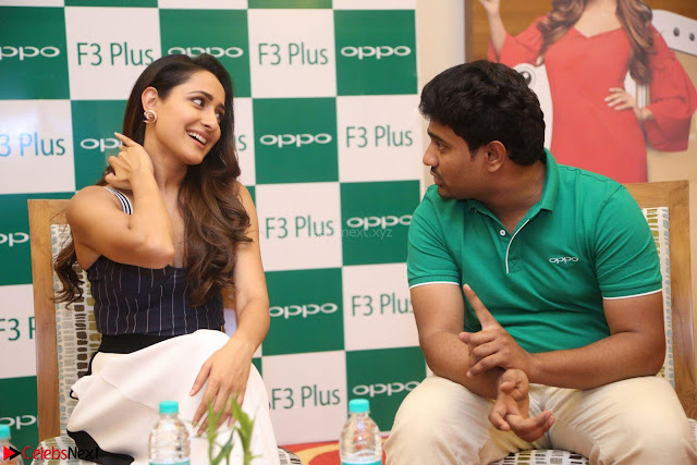 Pragya Jaiswal in Deep neck Gown at Launch of OPPO Phone 072.JPG
