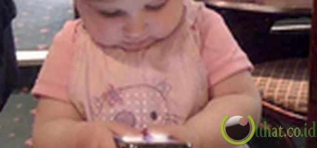 Anak 8 tahun Habiskan US$1.400 untuk Smurfberries