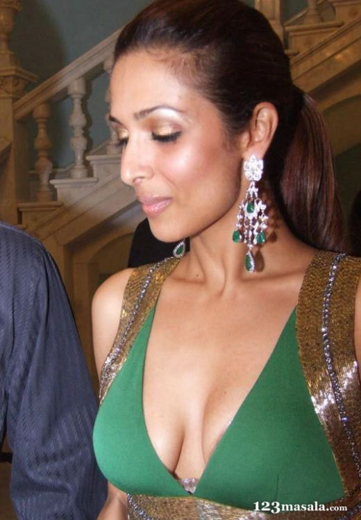young-japanese-malaika-arora-showing-tits-with-dildos-best