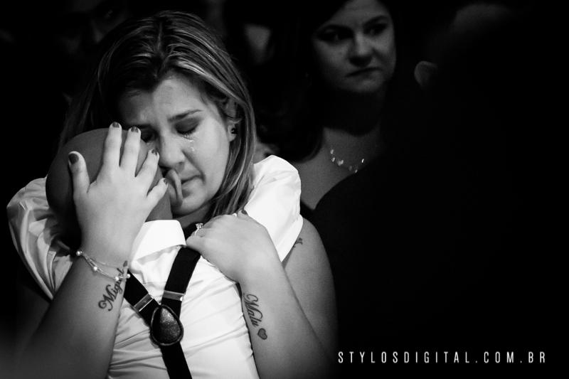 mae chorando casamento