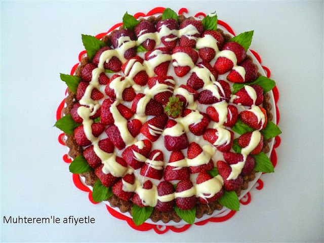 tart strawberry cake