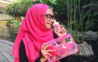 gaya hijab ria ricis di kampus