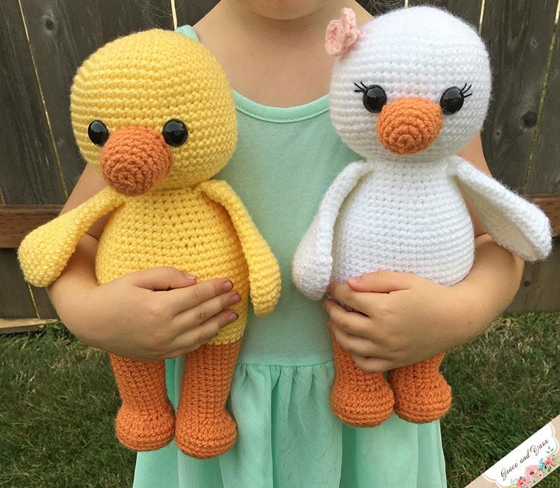 Amigurumi Duck A Free Crochet Pattern Grace And Yarn