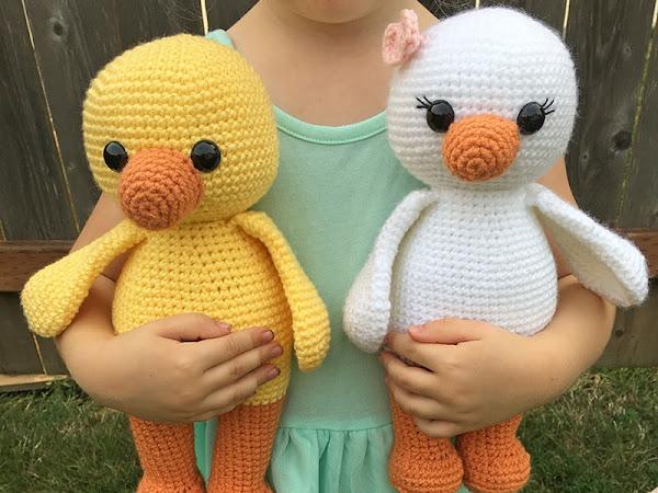 Amigurumi Duck - A Free Crochet Pattern