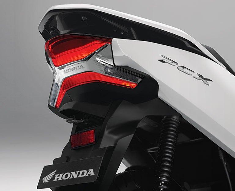 SEWA MOTOR HONDA PCX 2018 DI BALI