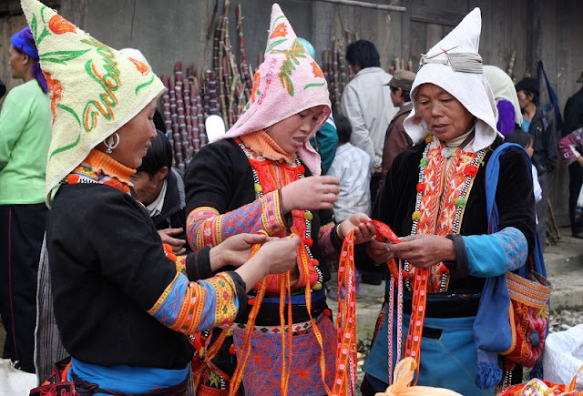 Panorama of Daily life in Lai Chau through Dao San market