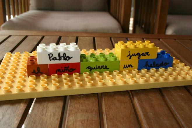 Actividad infantil lectoescritura con lego: formar frases