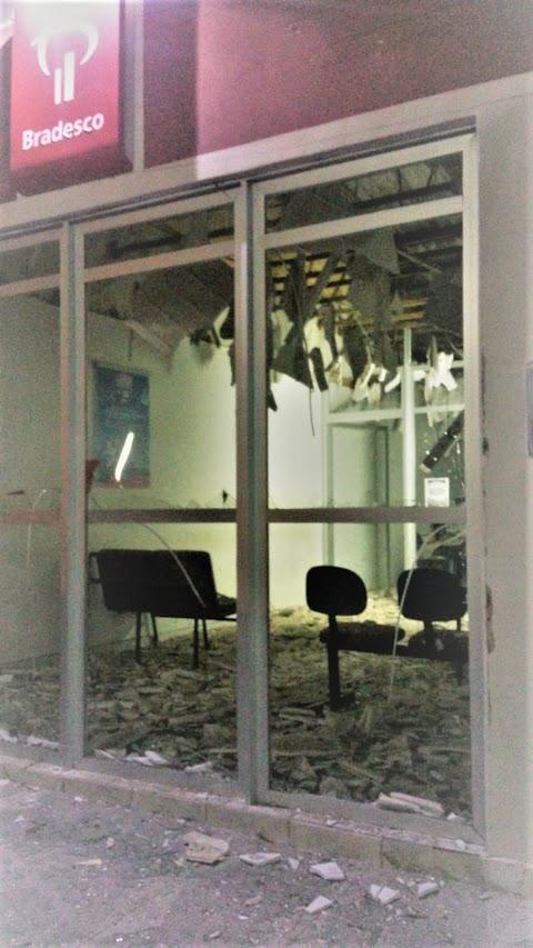 Quadrilha explode agencias do Bradesco e Correios em Tenente Ananias no RN
