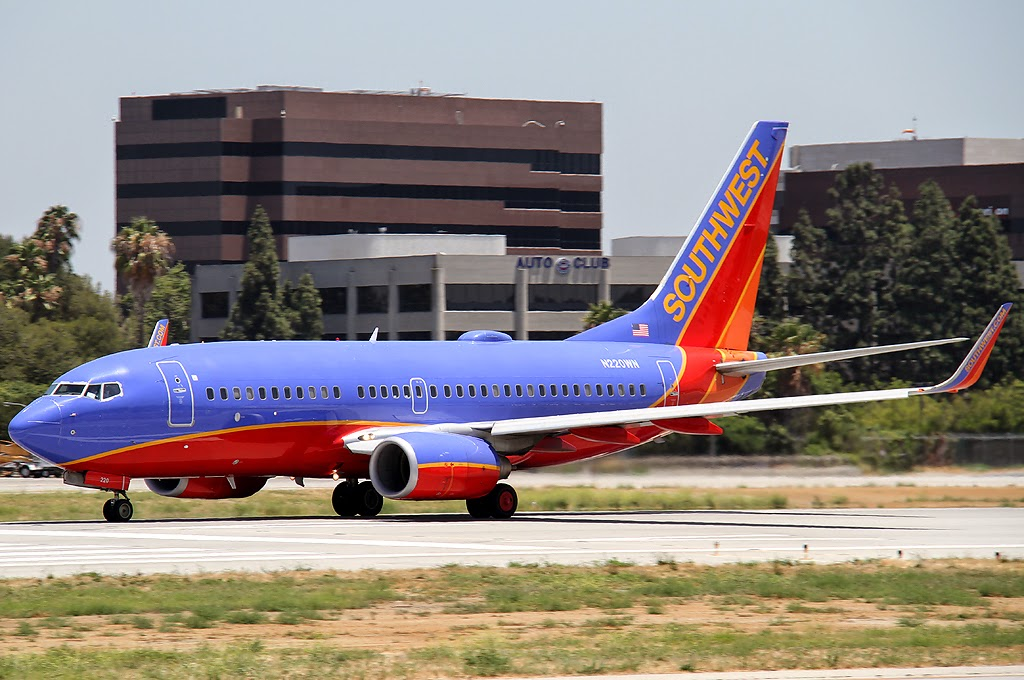 Southwest Airlines At Long Beach Airport Smokes The Mains On Rwy 30 Rolling For Take Off