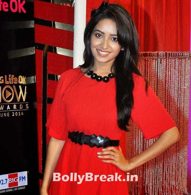 Asha Negi, Life OK Now Awards 2014 Red Carpet Pics