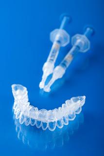Comment traiter les dents sensibles après blanchiment