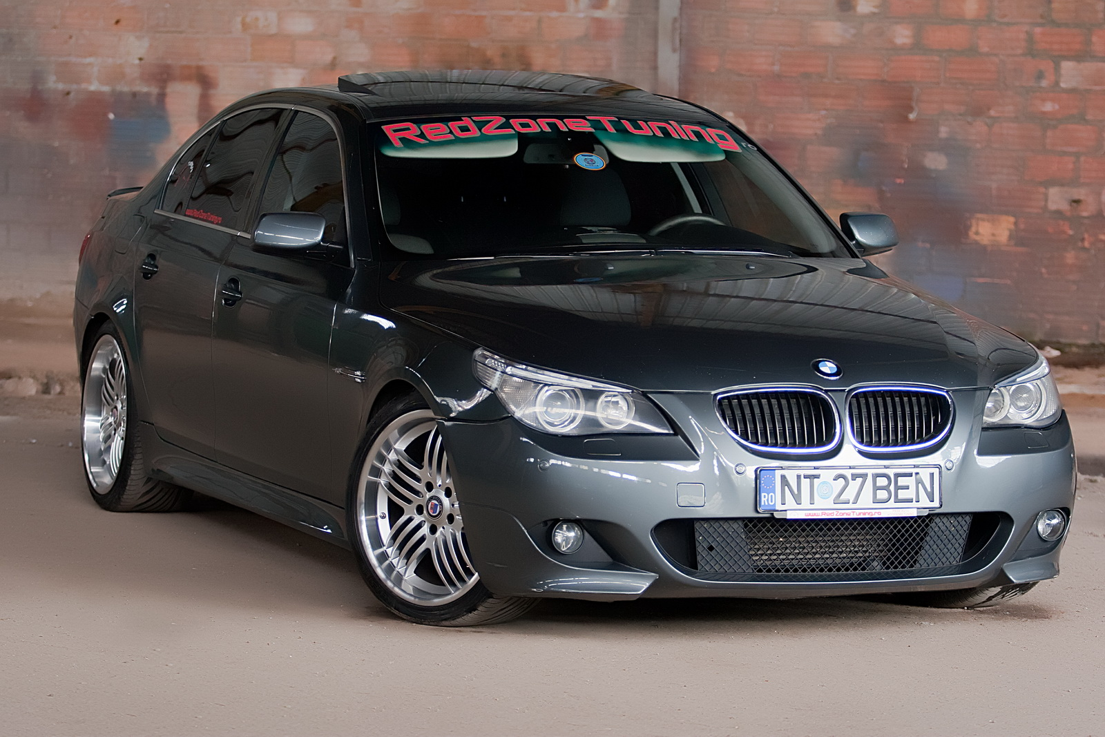 arta de a face tuning bmw e60 clean tuning. Black Bedroom Furniture Sets. Home Design Ideas