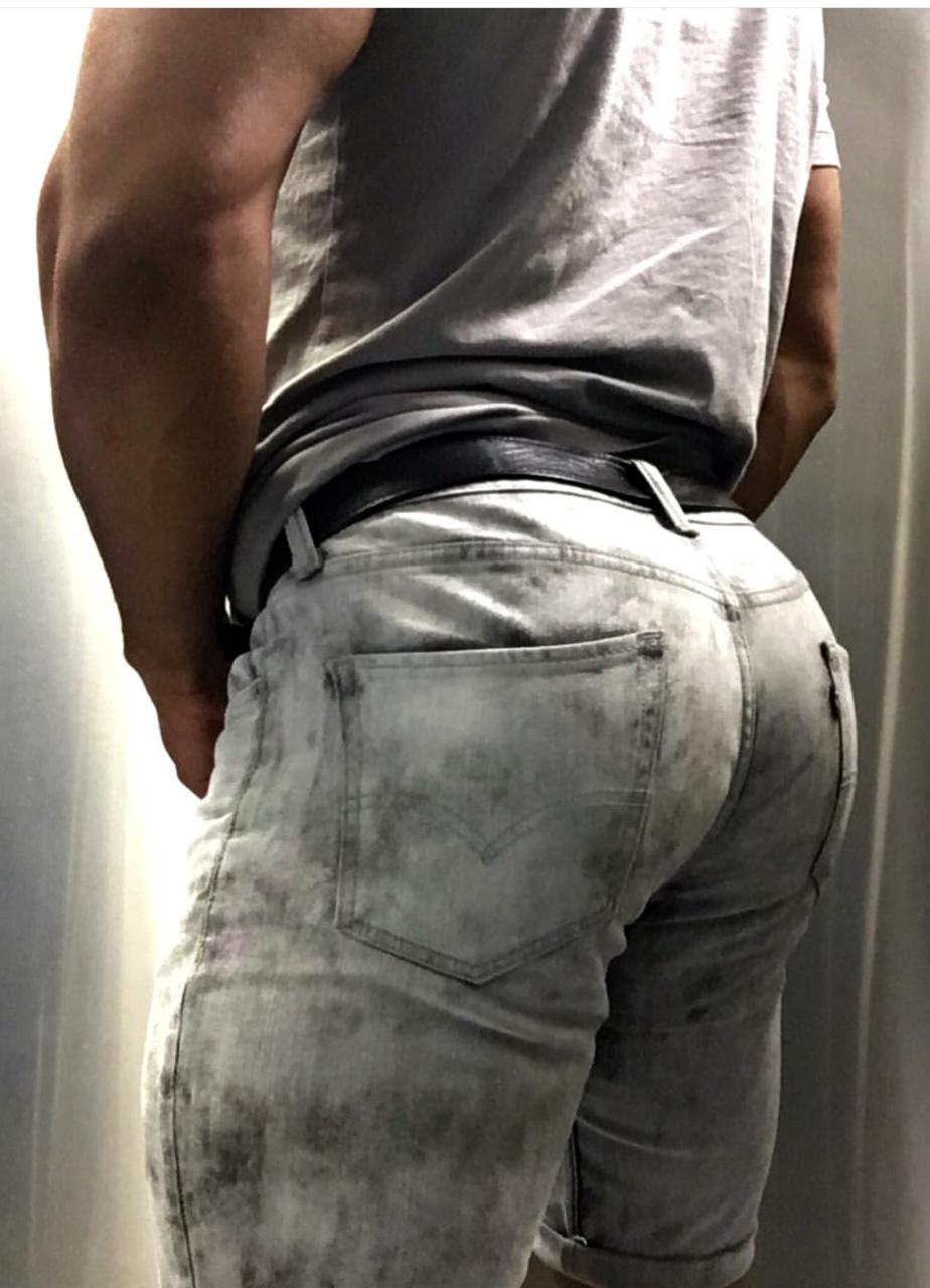 большой член в джинсах ласкают письки попки