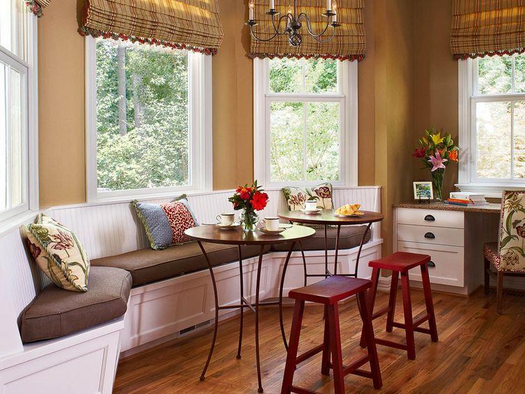 Cocina con bancos colores en casa for Banco rinconera comedor
