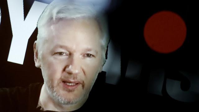 """Assange: El director de la CIA """"está librando una guerra"""" contra la libertad de expresión"""