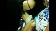 คลิปลวนลามจับนมสาว ผู้หญิงยืนนิ่งไม่โวยวาย ลุงเค้าได้ใจสะกิดหัวนมเล่นใหญ่เลย