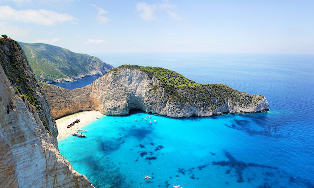 TOURIST SPOTS IN GREECE TRAVEL GUIDE