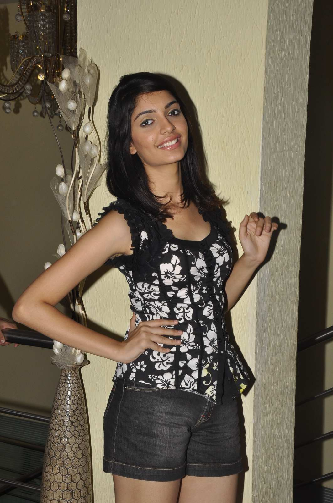 Model ashna misra photo shoot gallery