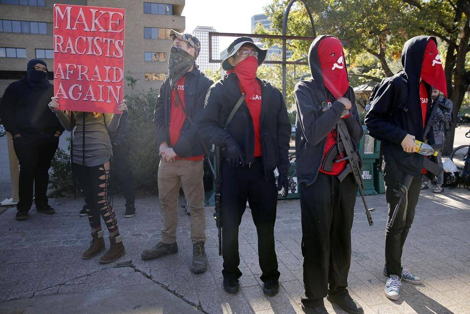 maoistroad: Usa - red guards austin against racist mouvement with arms