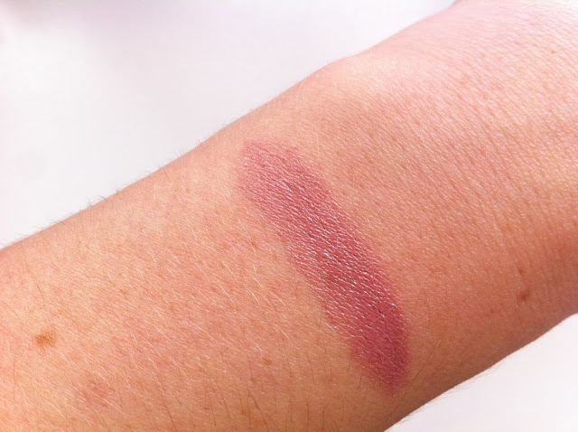 "MAC Indulge Collection: Lipstick In ""Feed The Senses"""