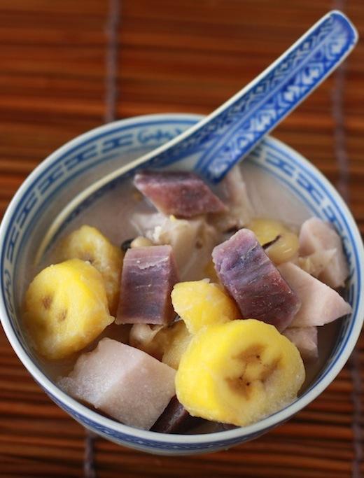 Malaysian dessert recipe called Bubur Cha Cha by SeasonWithSpice.com