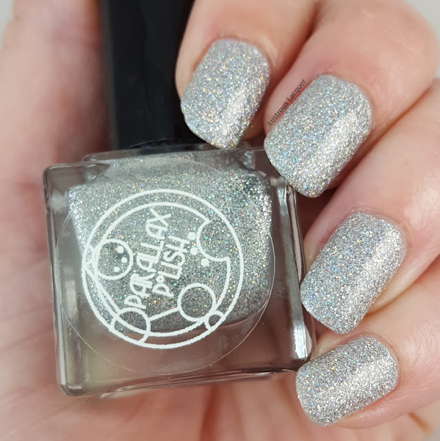 Silver-scattered-holographic-nail-polish